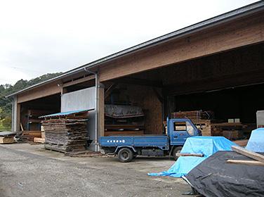 会社木材保管 |富山・石川の注文住宅・木造住宅・古材リフォームなどの外断熱の家づくり。株式会社アキ