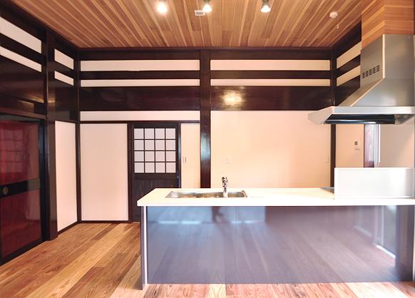 古建具と暮らすリノベーションダイニングキッチン|富山・石川の注文住宅・木造住宅・古材リフォームなどの外断熱の家づくり。株式会社アキ