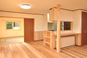 富山県 アキ 家 木材